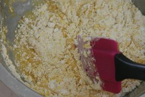 小麦粉を混ぜる