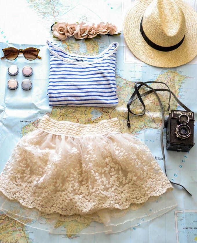 「Tシャツ×スカート」のレディースコーデ