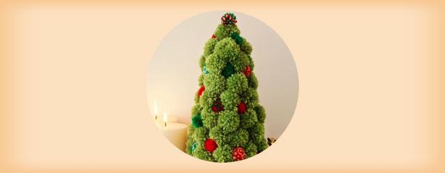 子供と一緒に作れる!「毛糸」を使ったクリスマス飾りのアイデア